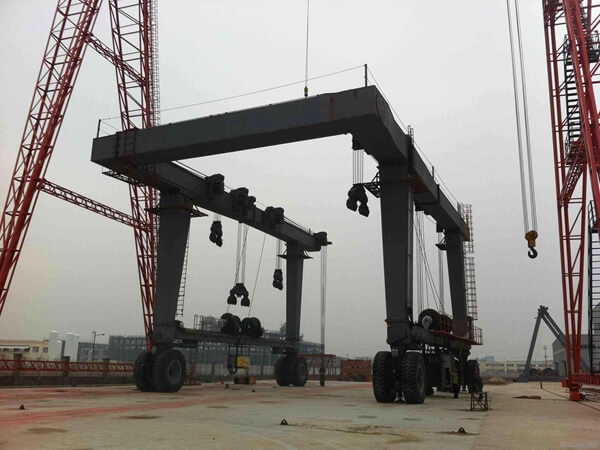 Marine Travel Lifting Crane