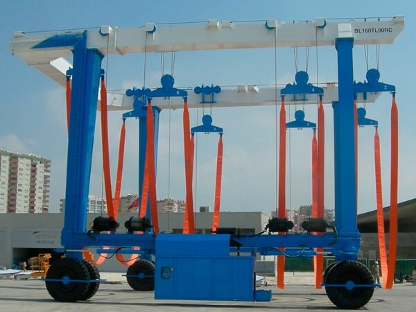 Marine Travel Lifting Cranes