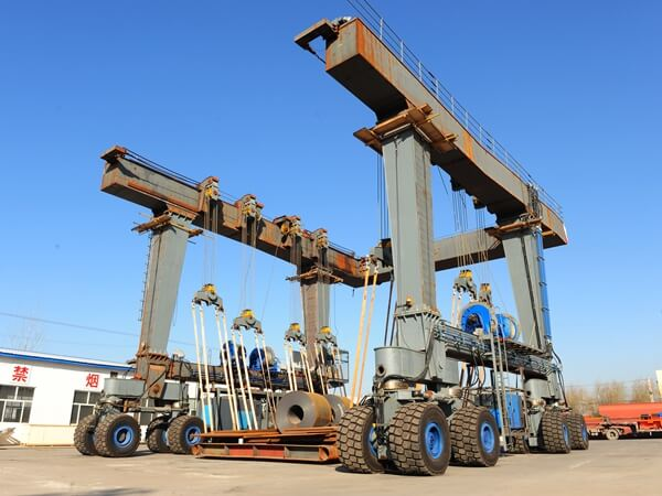 150 Ton Travel Lifts